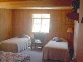 Lodge Room 7 Bed twin beds